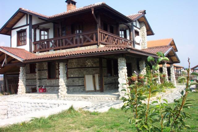 Къщи за гости Боряница