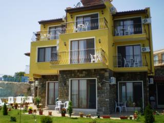 Къща за гости Астра Нова