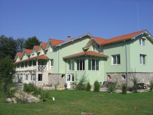 Хотел 1876 Априлци