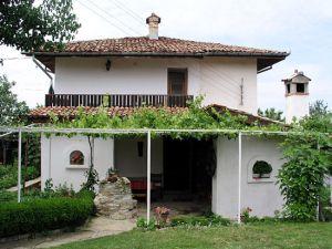 Бялата къща на Гинка и Тодор Стефанови